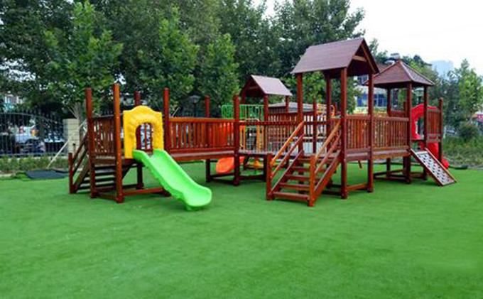 山东厚朴幼儿园户外木质滑梯